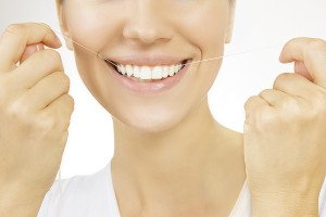 How To Get Back In The Flossing Habit And Make Life Easier