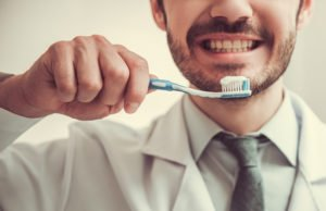 4 Ways Toothpaste Enhances Brushing